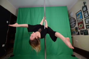 private pole dance classes